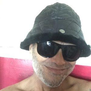 UGG bucket hat